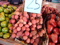 Market08_lychee